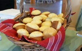 Fluffy Cornbread Muffins